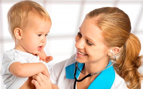 Педиатр довольна состоянием малыша