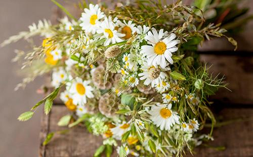 Букетик из простых цветов
