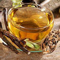 Чашка чаю из коры желудника