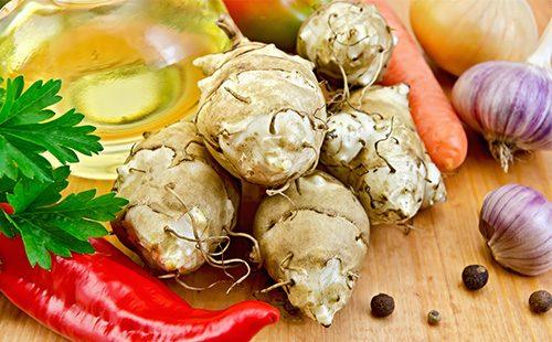 Клубни топинамбура с овощами