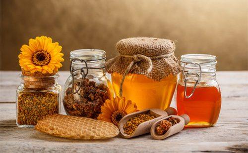 Мед, пчелиная пыльца и соты