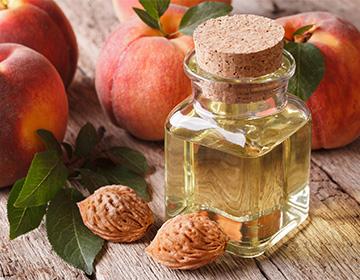 Персиковое масло для лица и волос: применение