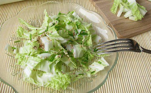 Салат их пекинской капусты