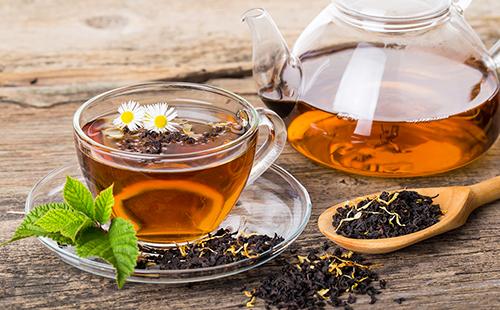 Чёрный чай с душистыми травами