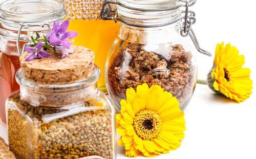 Цветок, прополис и пчелиная пыльца